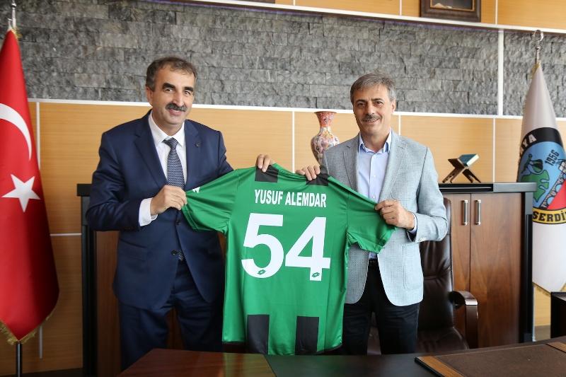 Sakaryaspor'a Serdivan desteği