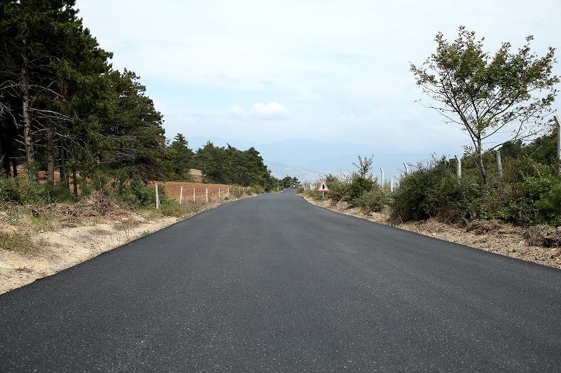 Geyve'nin 3 mahallesinde asfalt