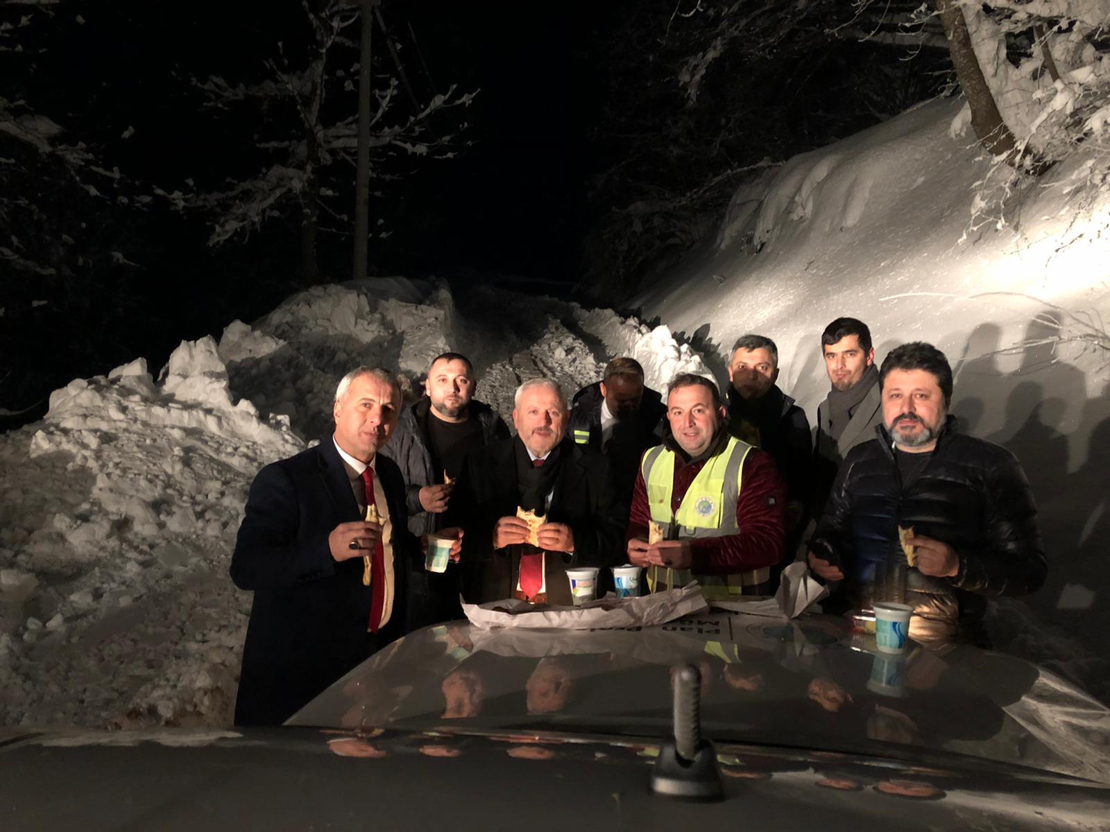 Kar işçilerine ikram