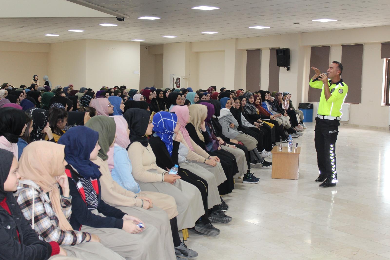 25 bin 896 öğrenci trafik eğitimi aldı
