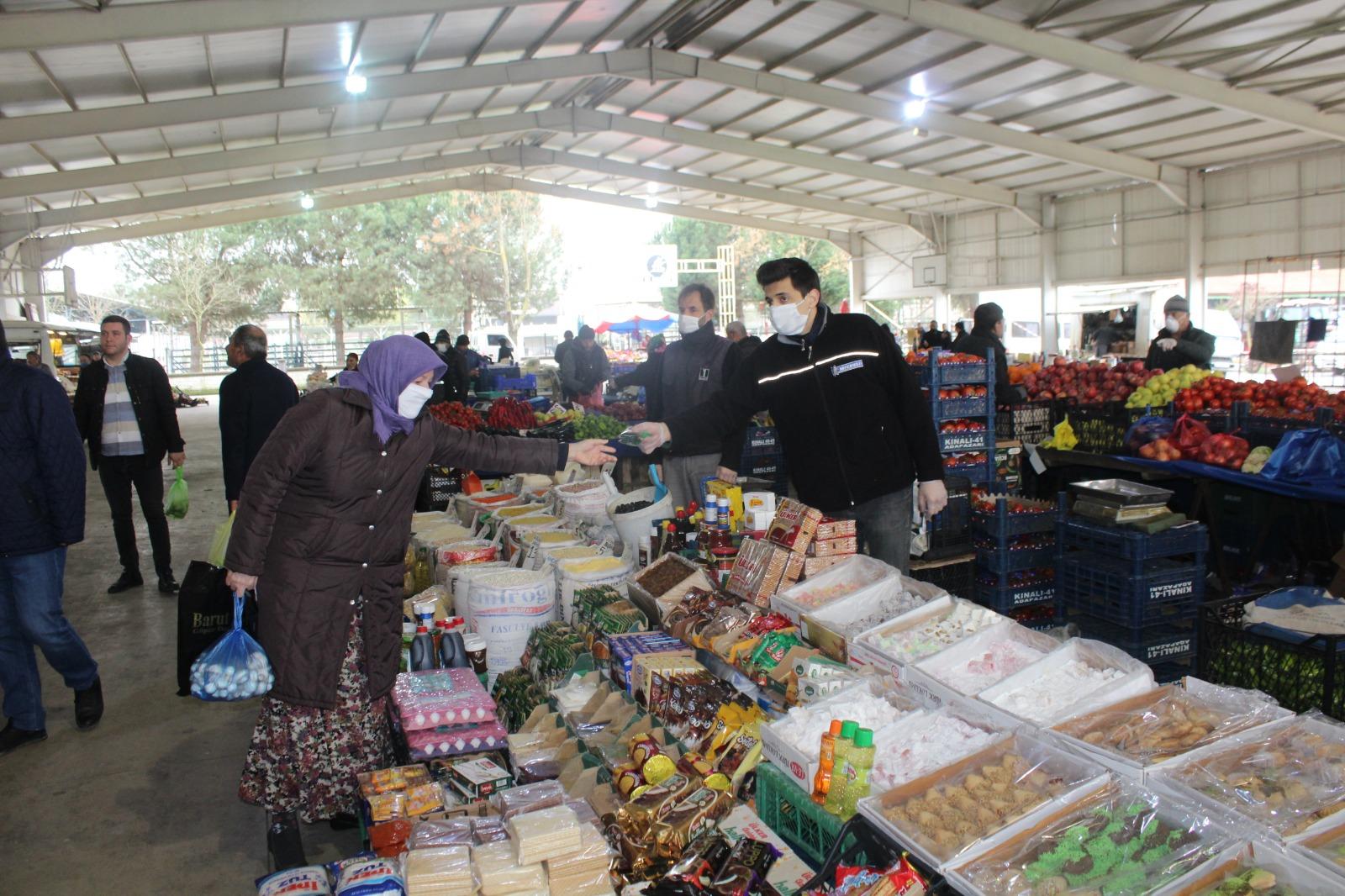 Başkan Özten pazarı denetledi