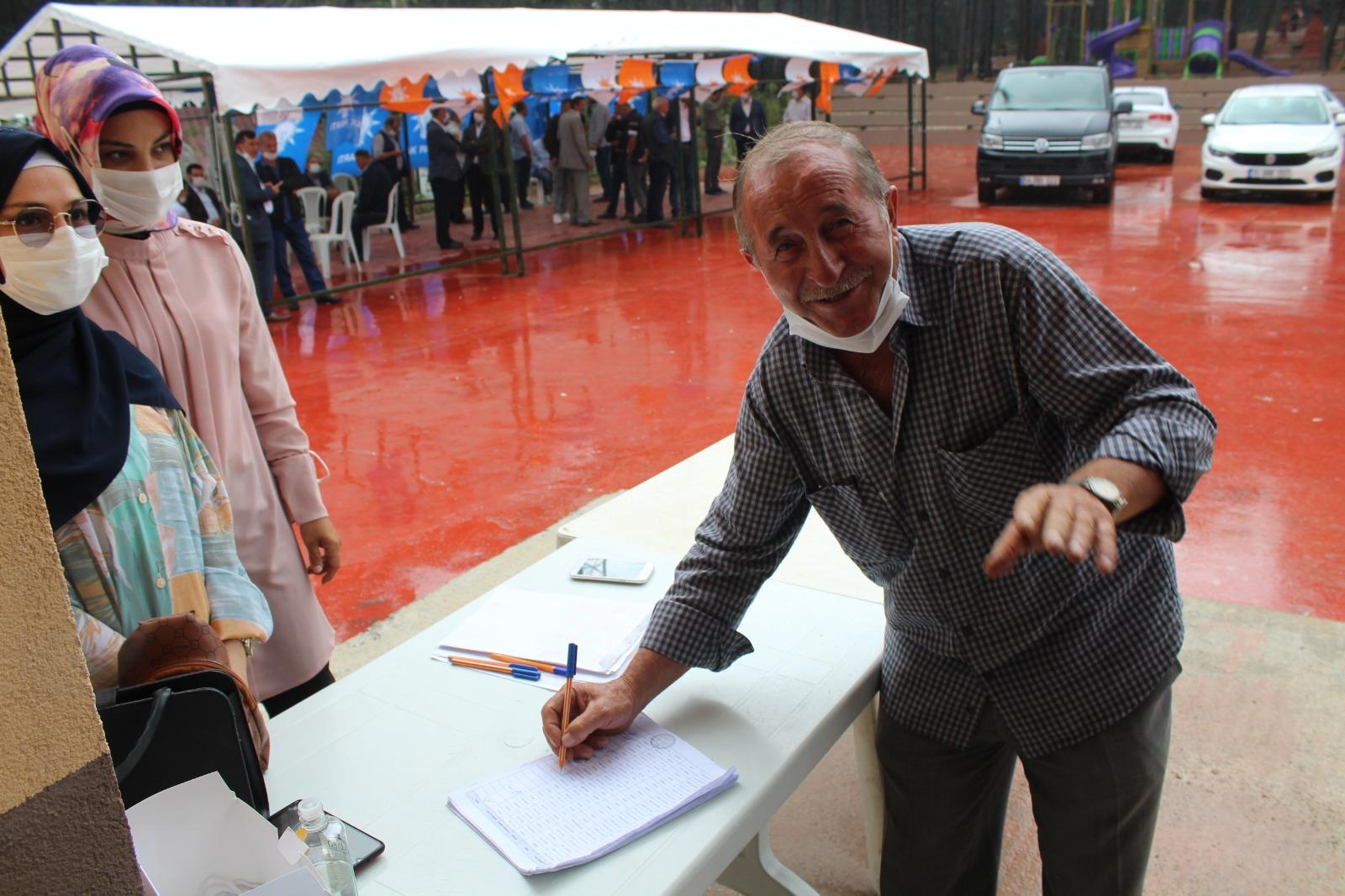 Vahdettin Özcan'dan partili gençlere nasihat