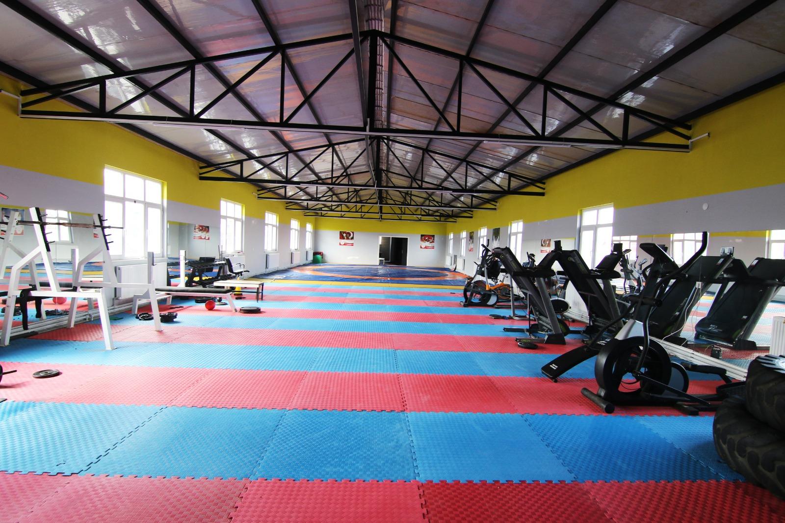 Karapürçek'e spor salonu