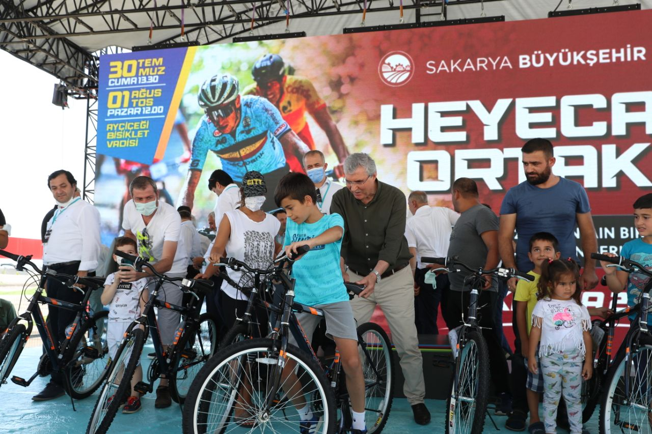 Dünya Sakarya'yı bisikletle tanıyor
